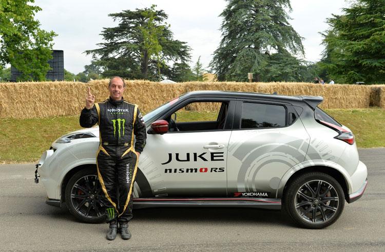 Nissan Juke Size >> Nissan Juke On Two Wheels Guinness World Record